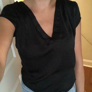 Polyester v-neck t-shirt